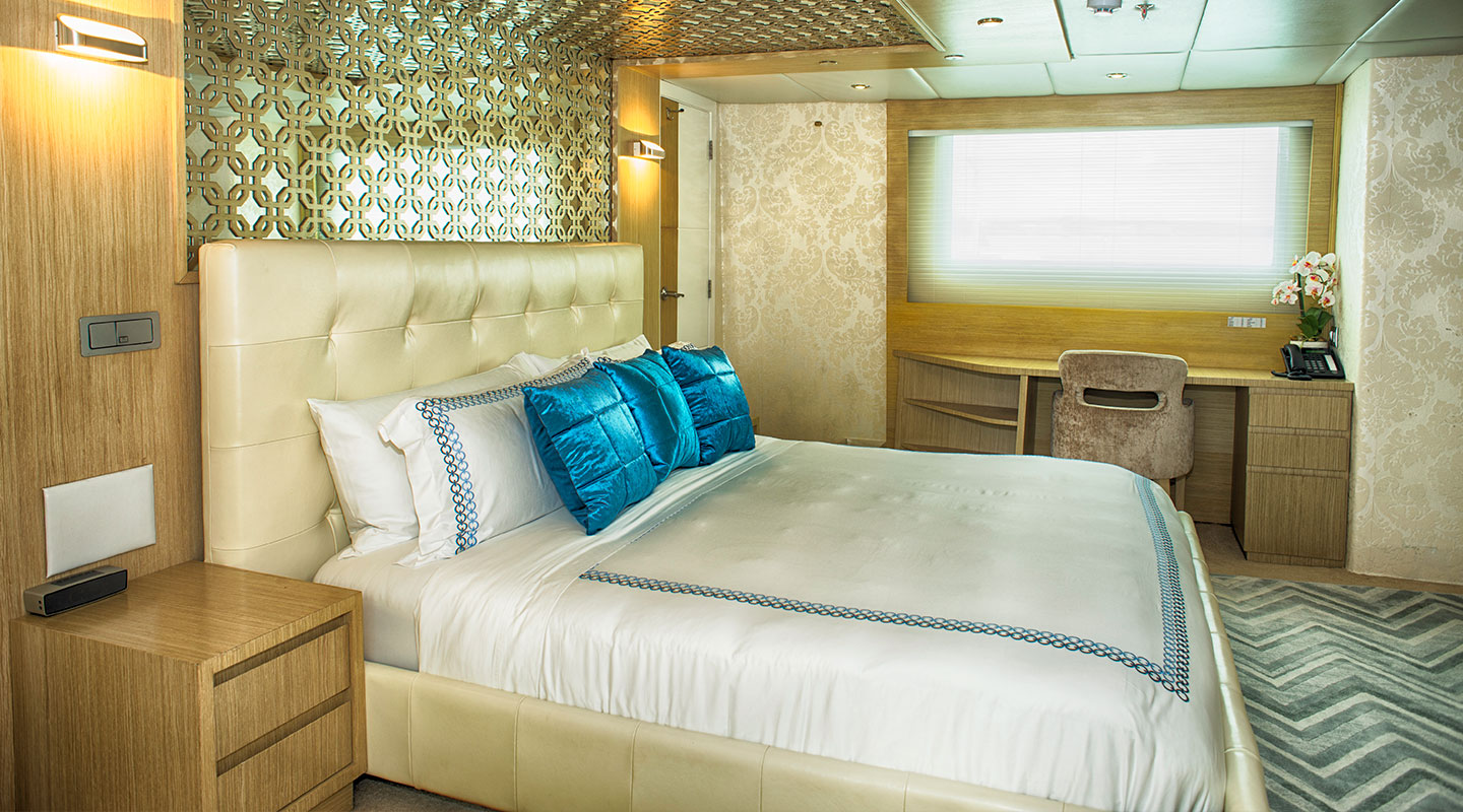 Master Suite Luxury Yacht Stella Maris